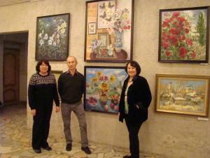 Татьяна Рыжова, Виктор Лисицкий и Альбина Симонова на выставке Осенний вернисаж в Пущино.